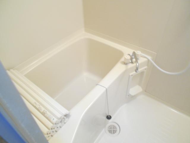 ソミュール百草Ⅰ 103号室の風呂