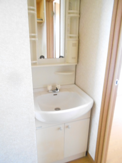 ソミュール百草Ⅰ 103号室の洗面所