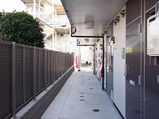 レオパレス玉楽 103号室の玄関