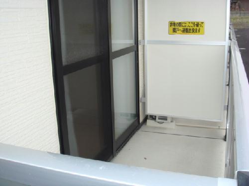 レオパレス玉楽 103号室のバルコニー