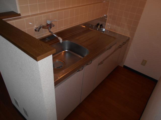 ハートランド21 201号室のキッチン