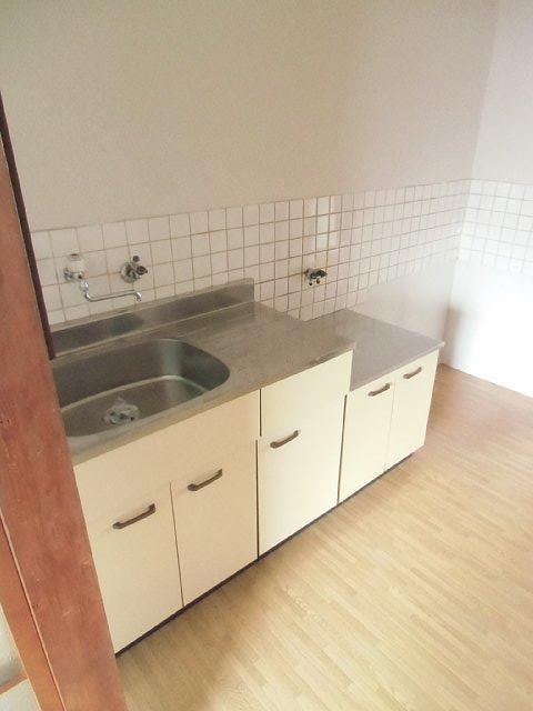 イーストハイツ 102号室のキッチン