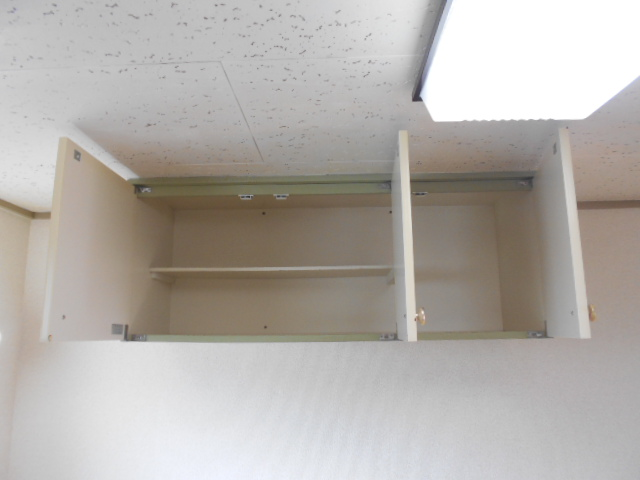 コーポラスみのり 205号室の収納