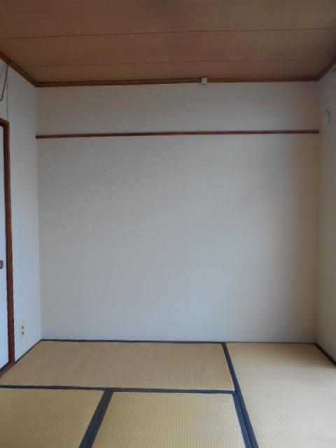 コーポラスみのり 205号室の居室