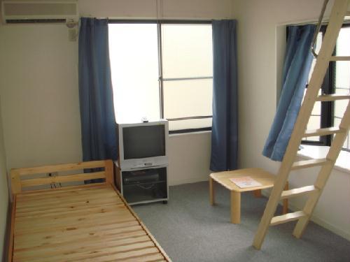 レオパレススペースイン 101号室のベッドルーム