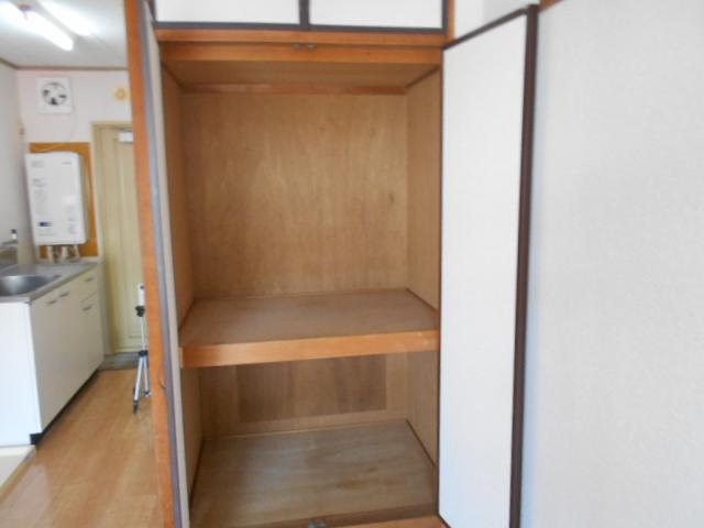 ハイツシャローム 105号室の収納
