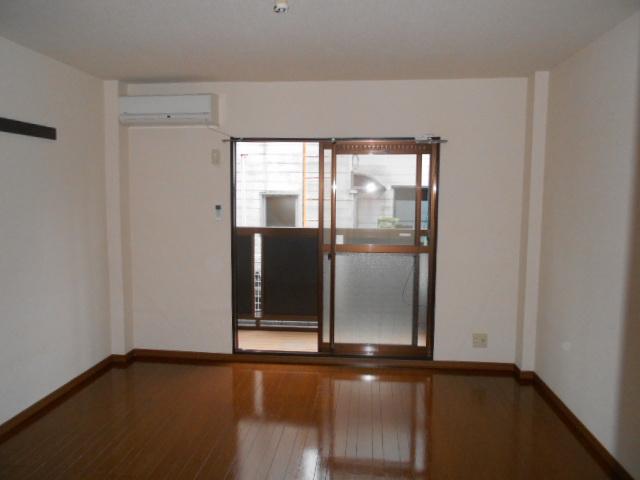 Ein Sakurai 103号室の居室