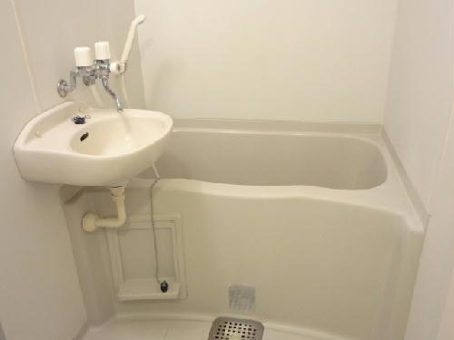 レオパレス柳原 102号室の風呂