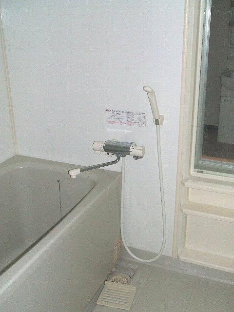 サン・friends北外山 205号室の風呂