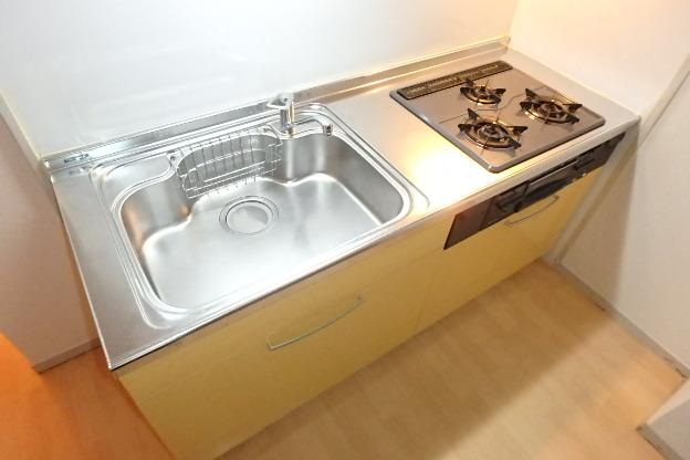 プレズ名古屋徳川 3B号室のキッチン
