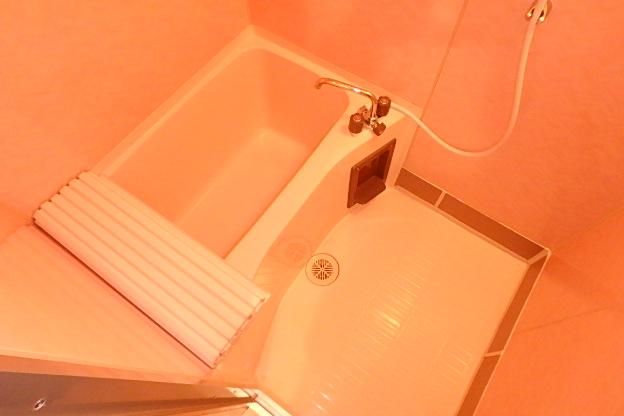 プレズ名古屋徳川 3B号室の風呂