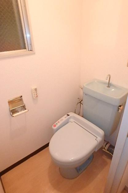 プレズ名古屋徳川 3B号室のトイレ