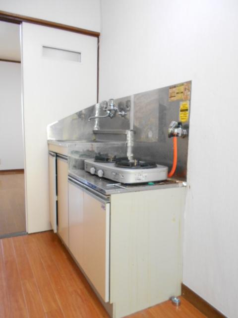 ハイランドハイツ 202号室のキッチン