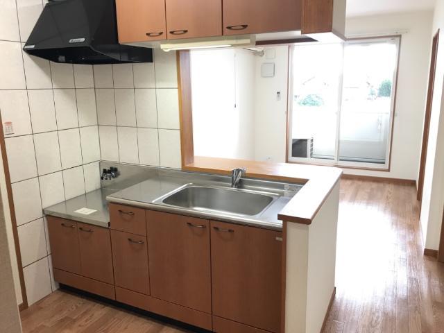 ロイヤルパーク旭 202号室のキッチン