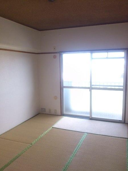 OS・SKYマイネビル 306号室のリビング