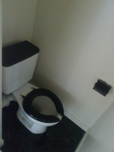 OS・SKYマイネビル 306号室のトイレ