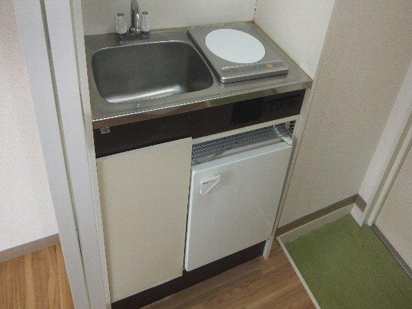 新清洲クラウンビル 302号室のキッチン