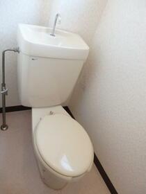 サトシビル 402号室のトイレ