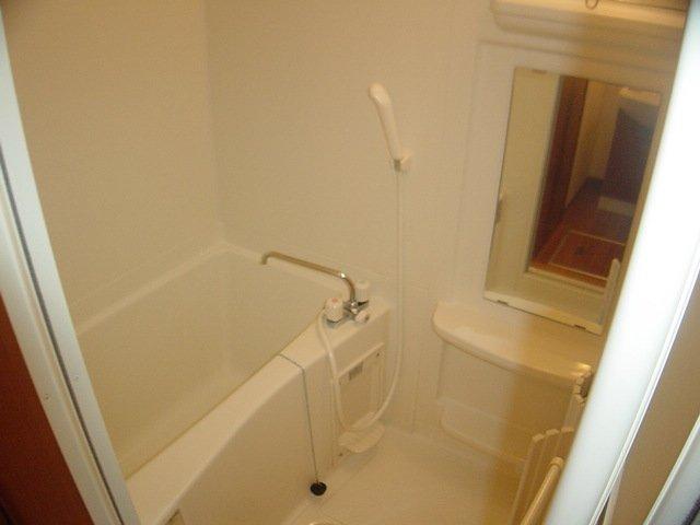 グランドコート弥生 105号室の風呂