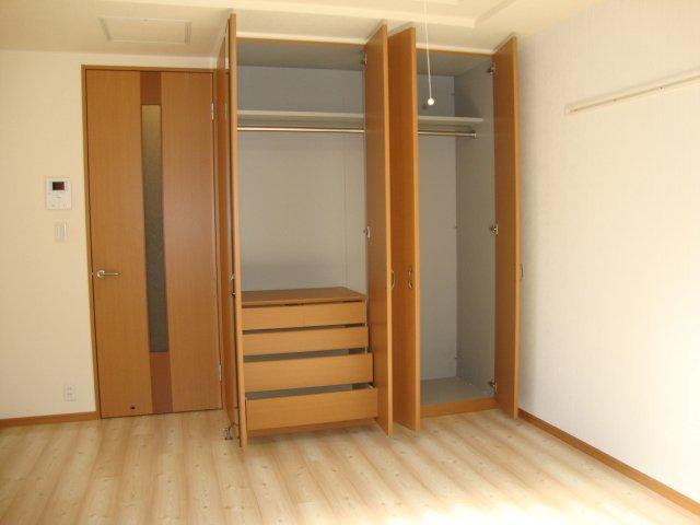 グランドコート弥生 105号室の収納
