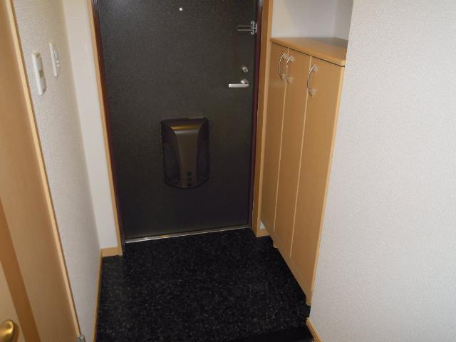 エピック キャッスル 小牧 103号室の玄関