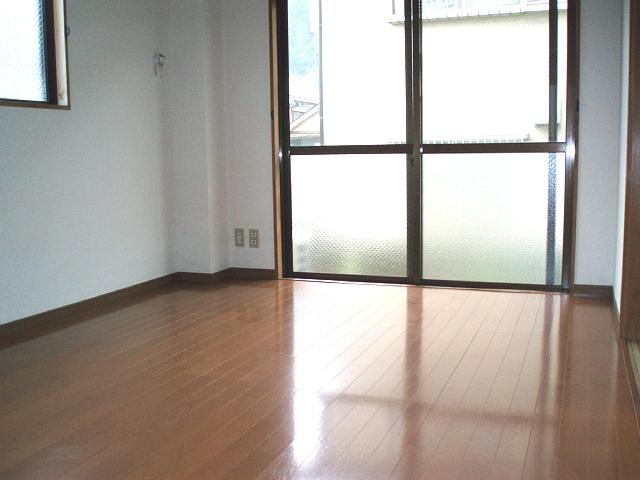シティハイムサトウ 202号室のリビング