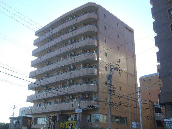 第3さくらマンション中央の外観