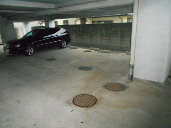 大口平和マンション 2F号室の駐車場