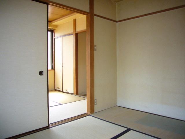 高尾ビル 307号室のベッドルーム