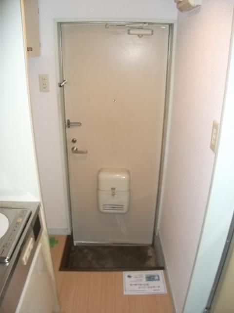 インベストメント宮下本町Ⅱ 101号室の玄関
