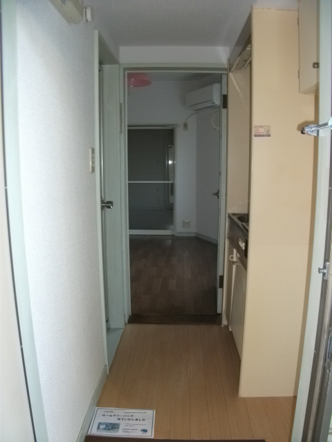 インベストメント宮下本町Ⅱ 101号室のリビング