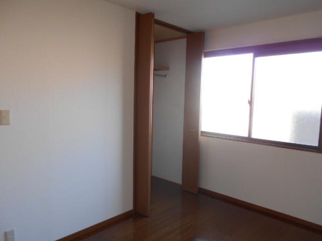 パークハイム 102号室の収納