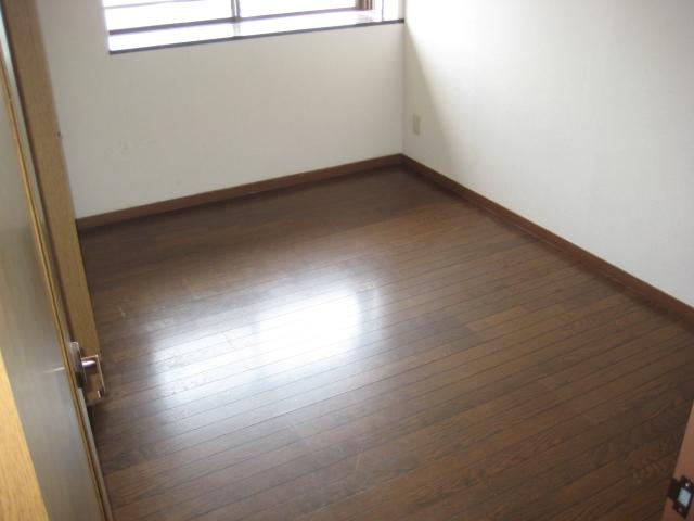 ソレアード中央 207号室のベッドルーム
