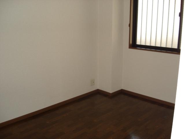 グランデ・ユーヴェ 101号室のベッドルーム