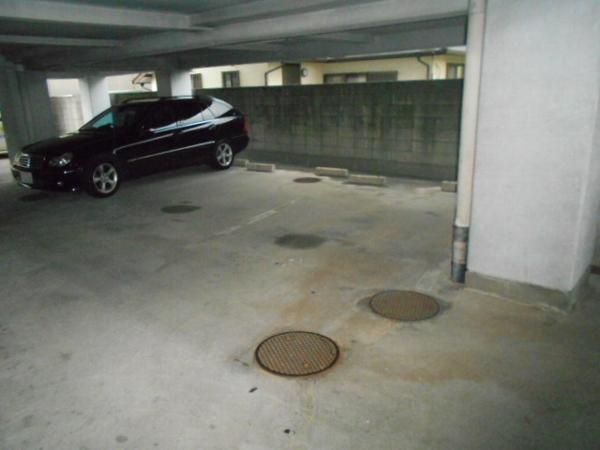大口平和マンション 4B号室の駐車場