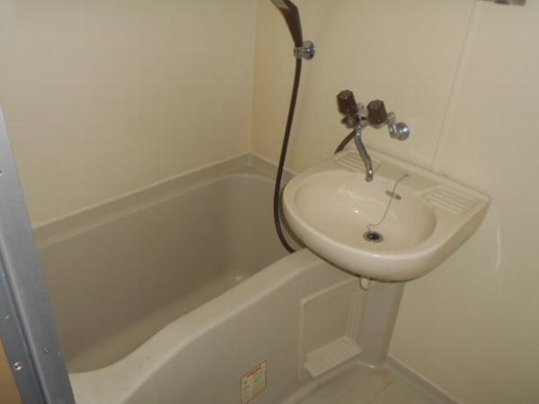 大口平和マンション 4B号室の風呂