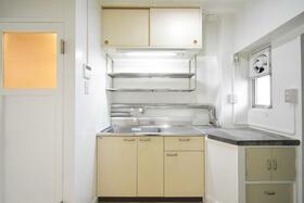 ビレッジハウス郷地9号棟 0207号室のキッチン