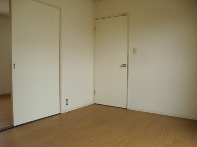 サンファミリーⅡ 00201号室の収納