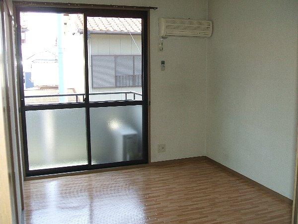 セントポーリアA A201号室のリビング