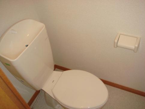 レオパレス成願寺 104号室のトイレ