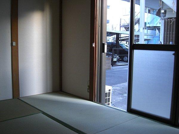 榎本荘 101号室のバルコニー
