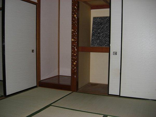榎本荘 101号室の居室