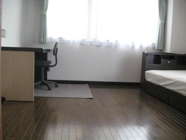 メゾン小山 301号室のベッドルーム