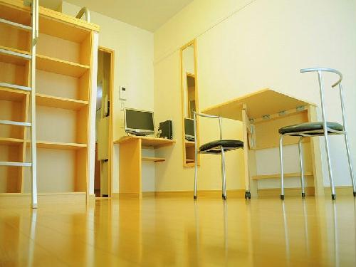 レオパレスオリオン 202号室のリビング
