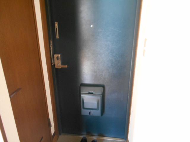 ジェントリーハイツ 105号室の玄関