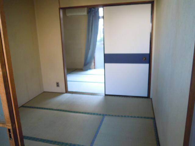 コーポおかもと 202号室のリビング