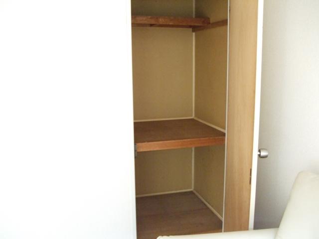 クレストハイツ 202号室の収納