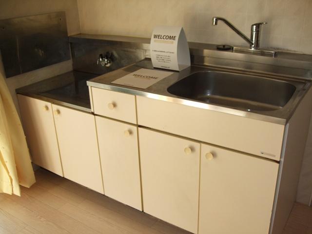 クレストハイツ 202号室のキッチン