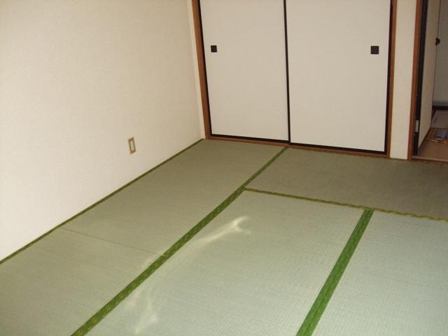 クレストハイツ 202号室の居室