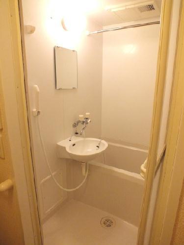 レオパレスSAKURA 102号室の風呂